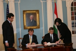 March 8, 2007: István Hiller, Hungarian Minister of Education and Culture and Miller Crouch, U.S. Acting Assistant Secretary of State for Education and Cultural Affairs, signed an agreement on the continuation of the Fulbright Exchange Program between the United States and Hungary.