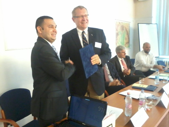 Fulbright Hungary and Jesuit Roma College sign cooperation agreement